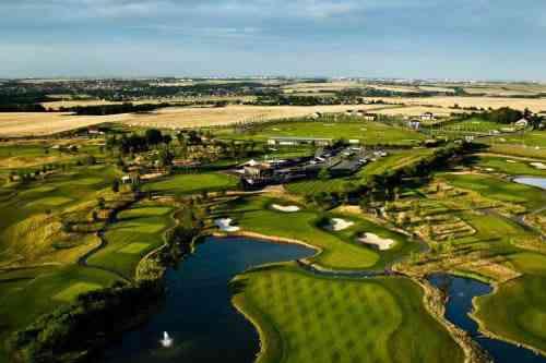 アルバトロスゴルフリゾート(プラハ) 18H 6,441M P72 K.プレストン設計2010年開場 欧州PGAツアー・レアルチェコマスターズ開催(8月)