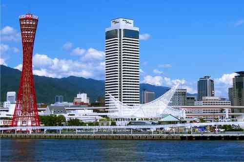神戸ポートタワーとメリケン波止場