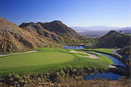 カスカータゴルフクラブ 18H 7,261Y P72 1999年開場 R.ジョーンズ設計