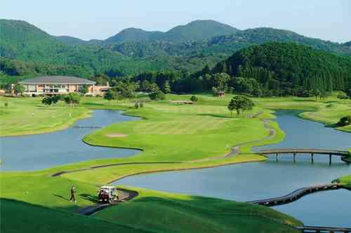若木ゴルフ倶楽部 T-Pointレディーストーナメント開催コース 18H 6,837Y Par72 D.ミュアヘッド設計