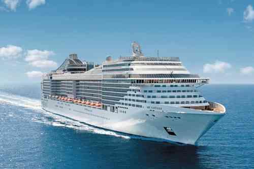 MSCファンタジア 137,000トン 全長:333m 乗客定員:3,274名 2008年就航