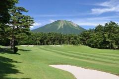 大山ゴルフクラブ 18H 7,054Y P72 上田治設計 '92年開場