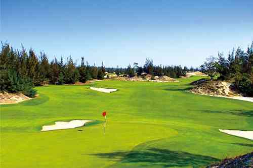 ダナンゴルフクラブ 18H 7,160Y P72 G.ノーマン設計 2010年開場