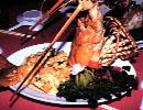 海鮮料理「海王城」 ホテルからタクシーで5分,捕れたての新鮮な魚を…。