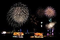 ねぶた祭り フィナーレ 海上運行