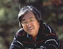 坂田信弘 さかたのぶひろ 1947年10月11日、熊本県生まれ。京都大学中退後74年プロ入り。「坂田理論」に基づくレッスンの紹介をはじめ、原稿執筆、テレビ出演で多忙な日々を送っている。特に漫画原作では「風の大地」、「インパクト」など、プロゴルファーならではの目から見た大胆な描写と独特なストーリーが読者を魅了している。また、全国に展開する「坂田塾」塾長としての活動など、ジュニアの育成にも余念が無い。