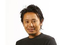 谷将貴 卓越したスイング理論と、明るいキャラクターで、人気。2003年からジュニア時代同期の片山晋呉プロのコーチを務め、2004年から3年連続賞金王へと導き、3年連続JGTOベストサポート賞に選出される。2007年には、北田瑠衣を復活優勝に導く。