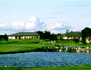 北海道クラシックゴルフクラブ 青々と輝くワイドなクリークが8ホールにも絡んで…昨年の日本アマチュア開催コースです。
